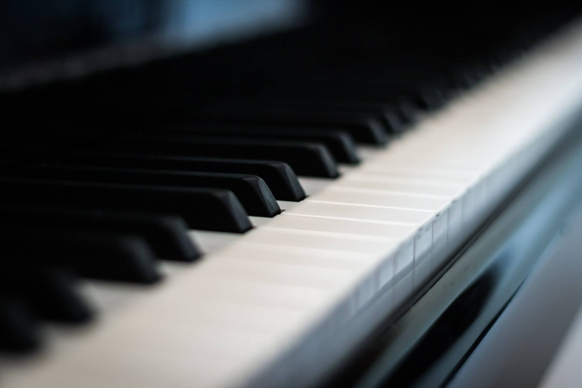 piano-558452_1920